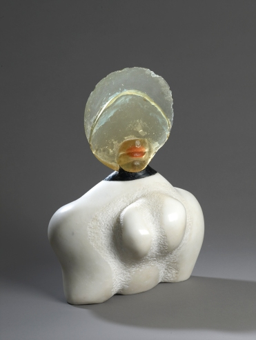 Alina Szapocznikow, Autoportrait I, 1966. Marble, polyester resin. Private collection. © ADAGP, Paris 2017. Courtesy The Estate of Alina Szapocznikow / Piotr Stanislawski / Galerie Loevenbruck, Paris. Photo Fabrice Gousset